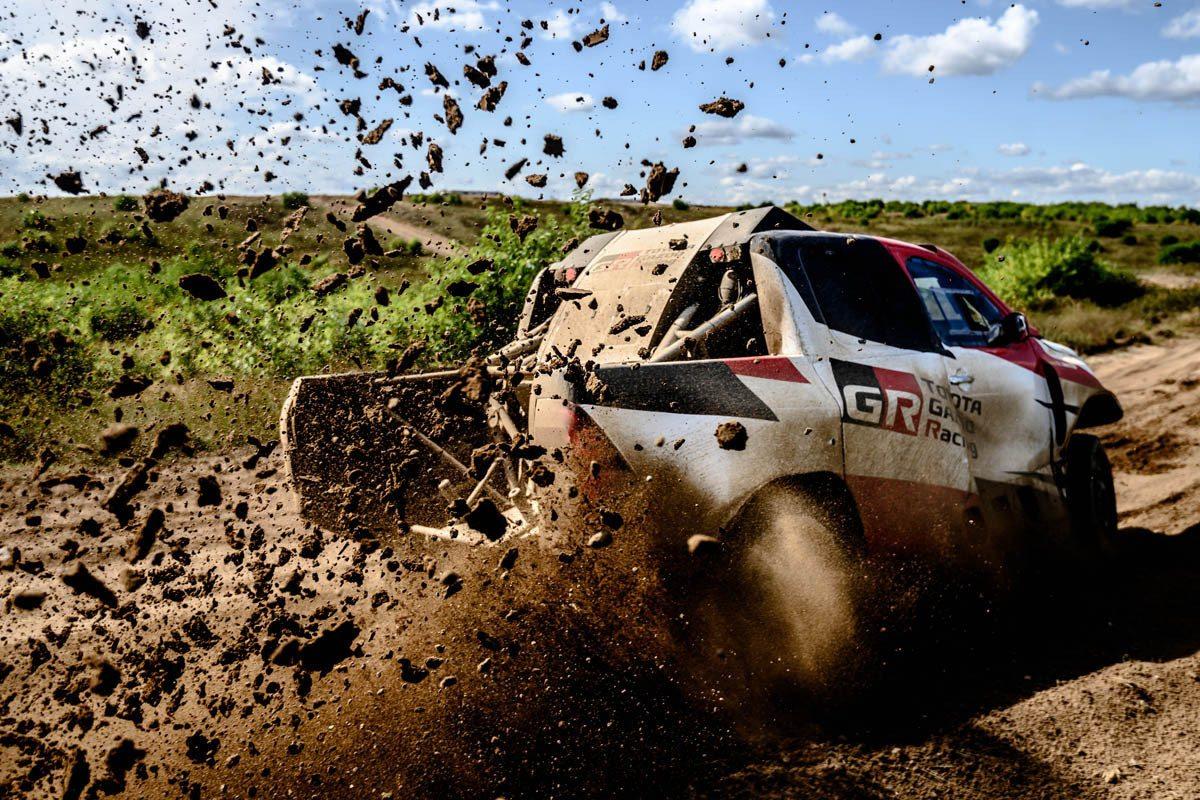 2019 41º Rallye Raid Dakar - Perú [6-17 Enero] - Página 13 Nuevo-test-fernando-alonso-toyota-hilux-polonia-201960519-1567585960_3