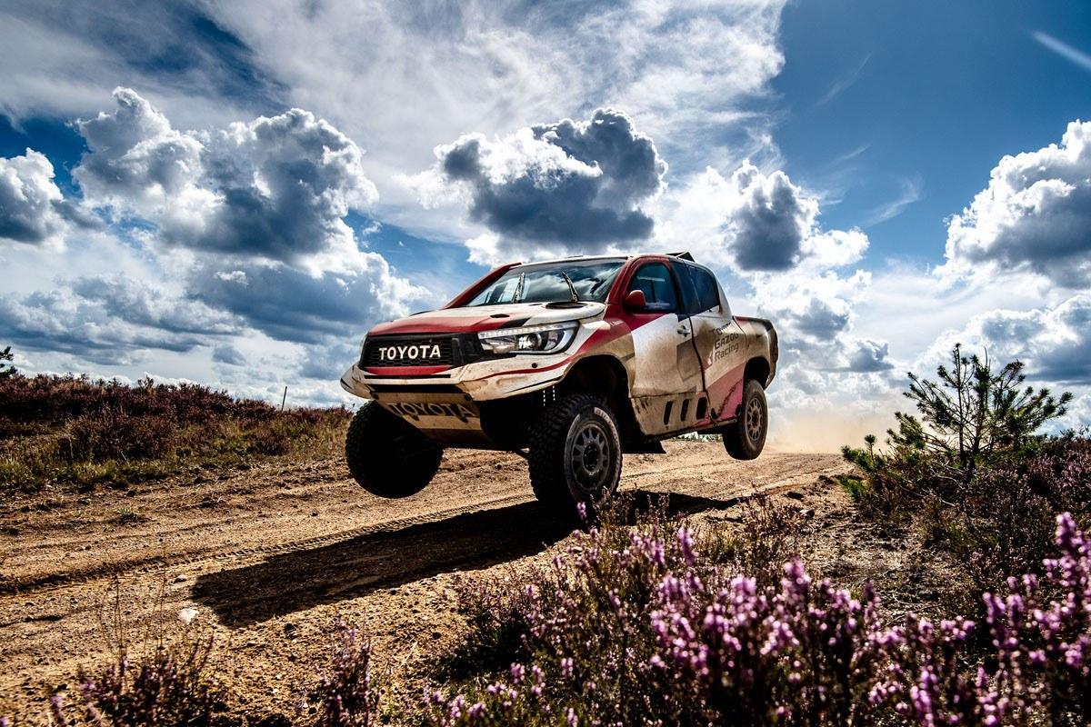 2019 41º Rallye Raid Dakar - Perú [6-17 Enero] - Página 13 Nuevo-test-fernando-alonso-toyota-hilux-polonia-201960519-1567585963_4