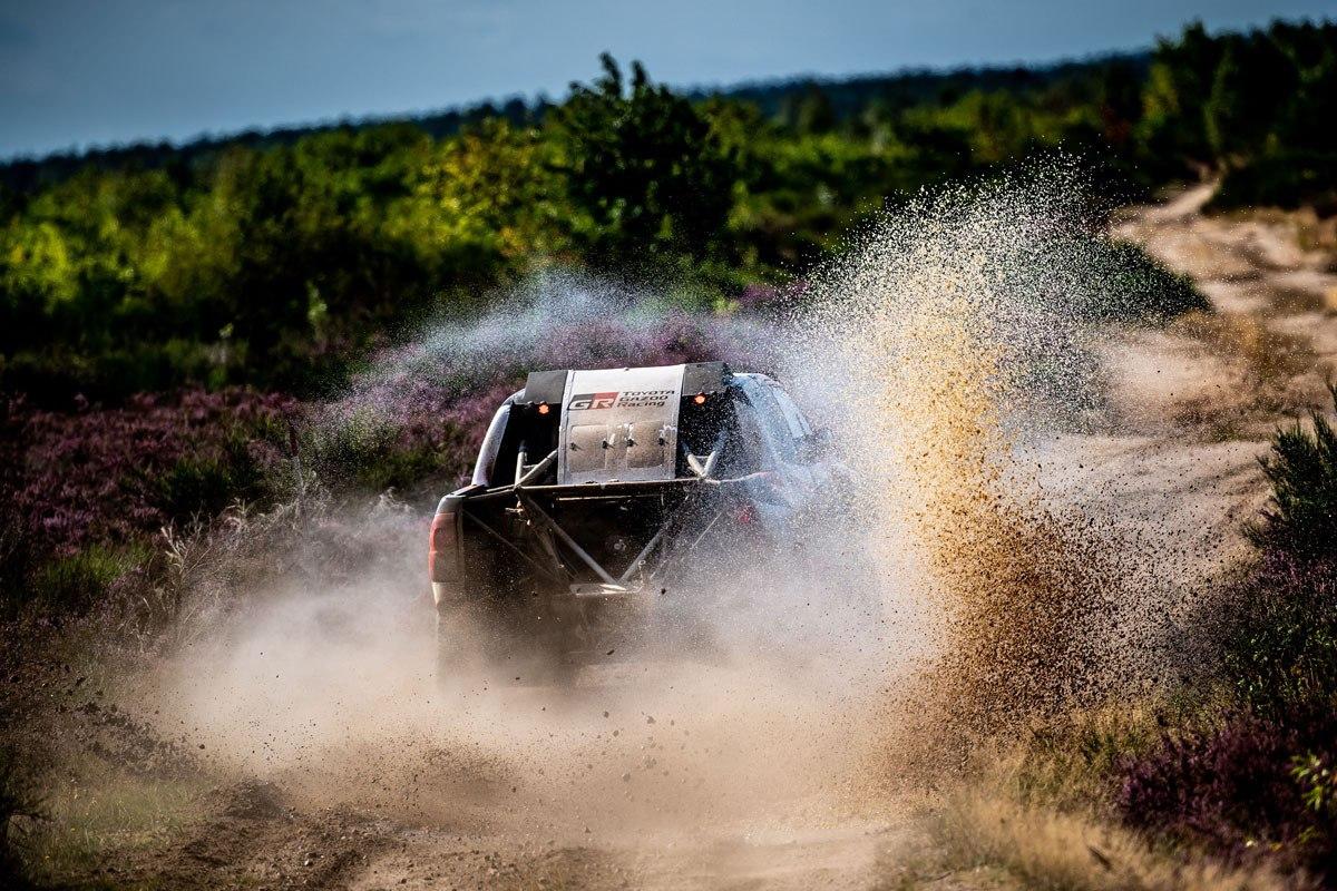 2019 41º Rallye Raid Dakar - Perú [6-17 Enero] - Página 13 Nuevo-test-fernando-alonso-toyota-hilux-polonia-201960519-1567585968_6