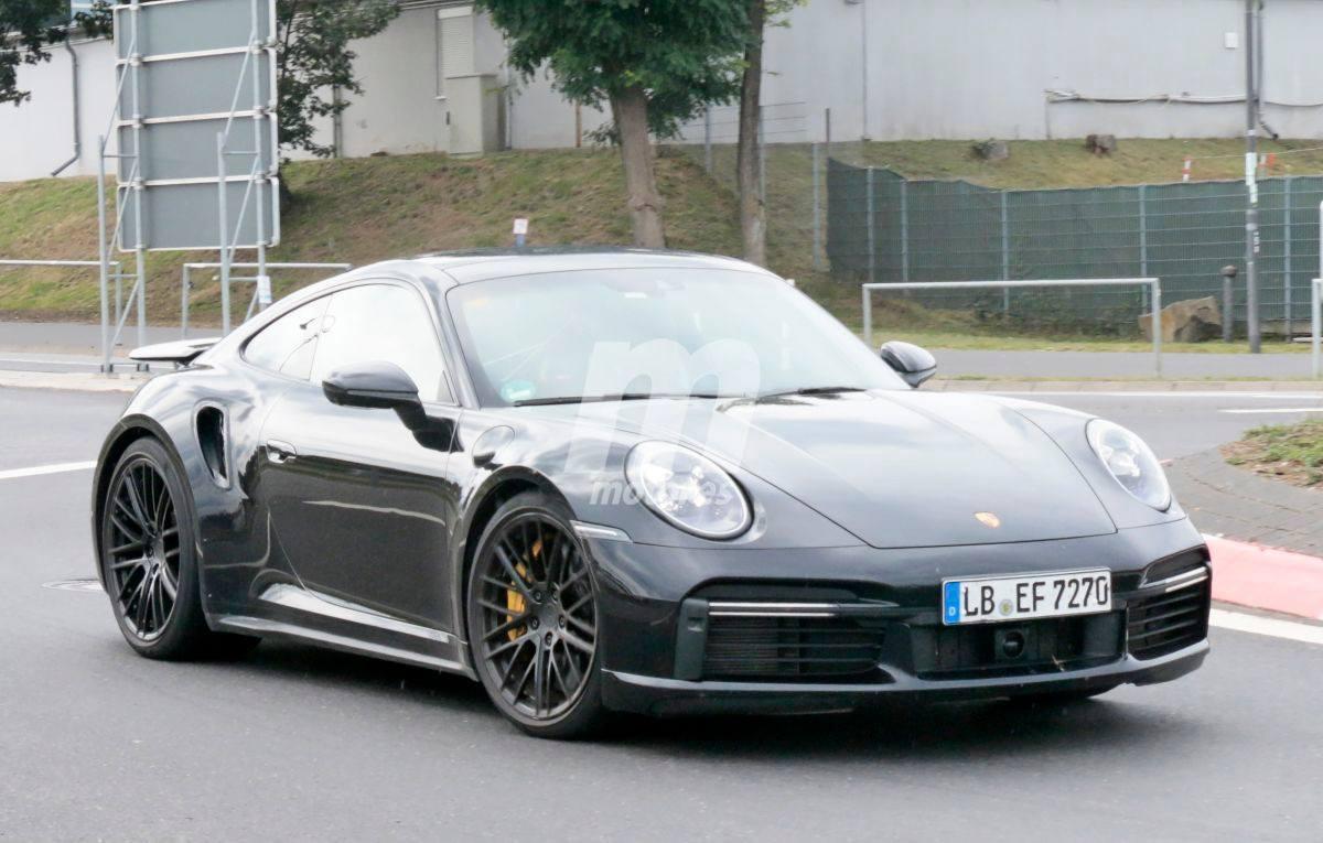 El Porsche 911 Turbo S (992) se deja ver casi desnudo en Nürburgring