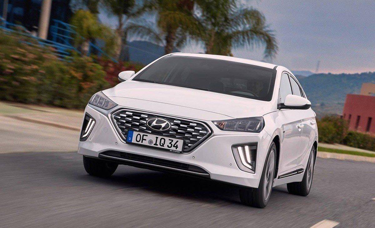 Precios del nuevo Hyundai IONIQ Híbrido, el sedán electrificado se renueva