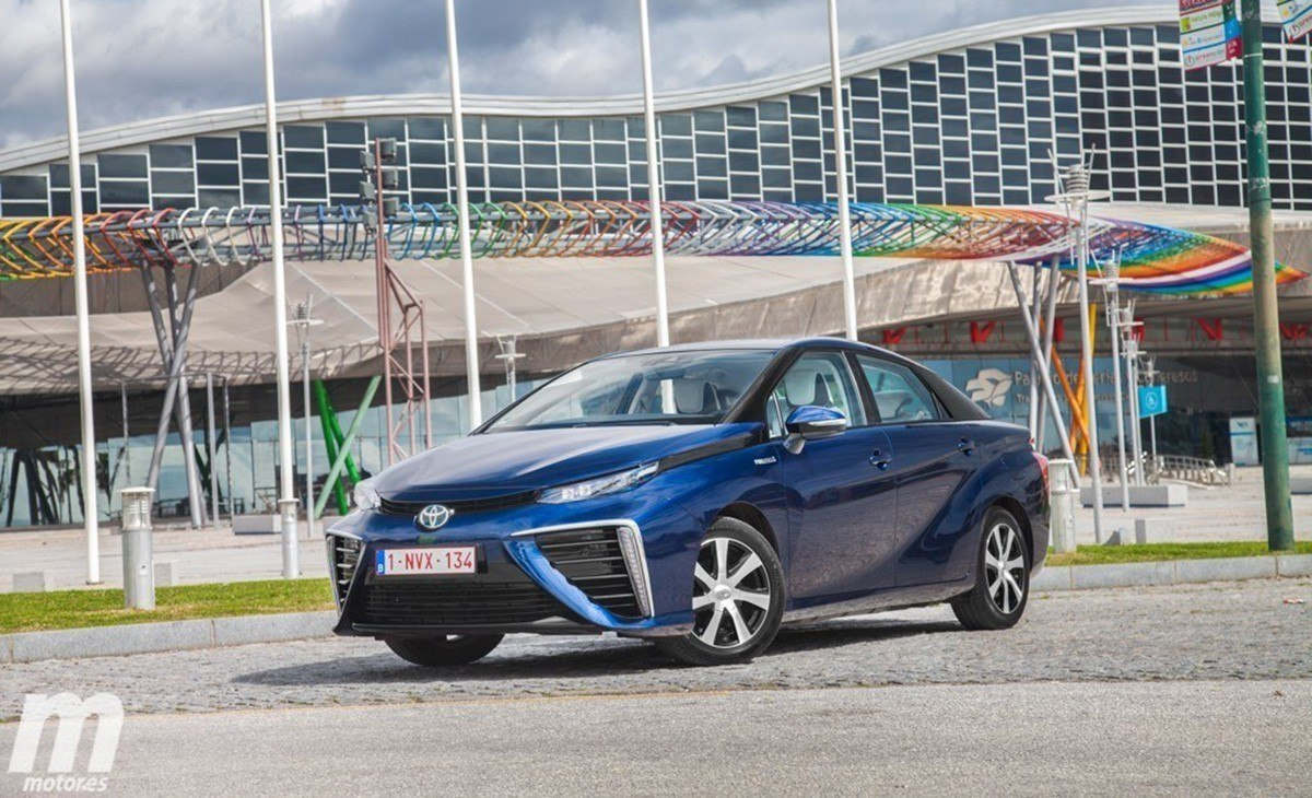 El Toyota Mirai, el coche de hidrógeno, ya tiene precio en España