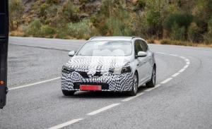 El actualizado Renault Mégane Sport Tourer cambia de camuflaje a mitad de su desarrollo