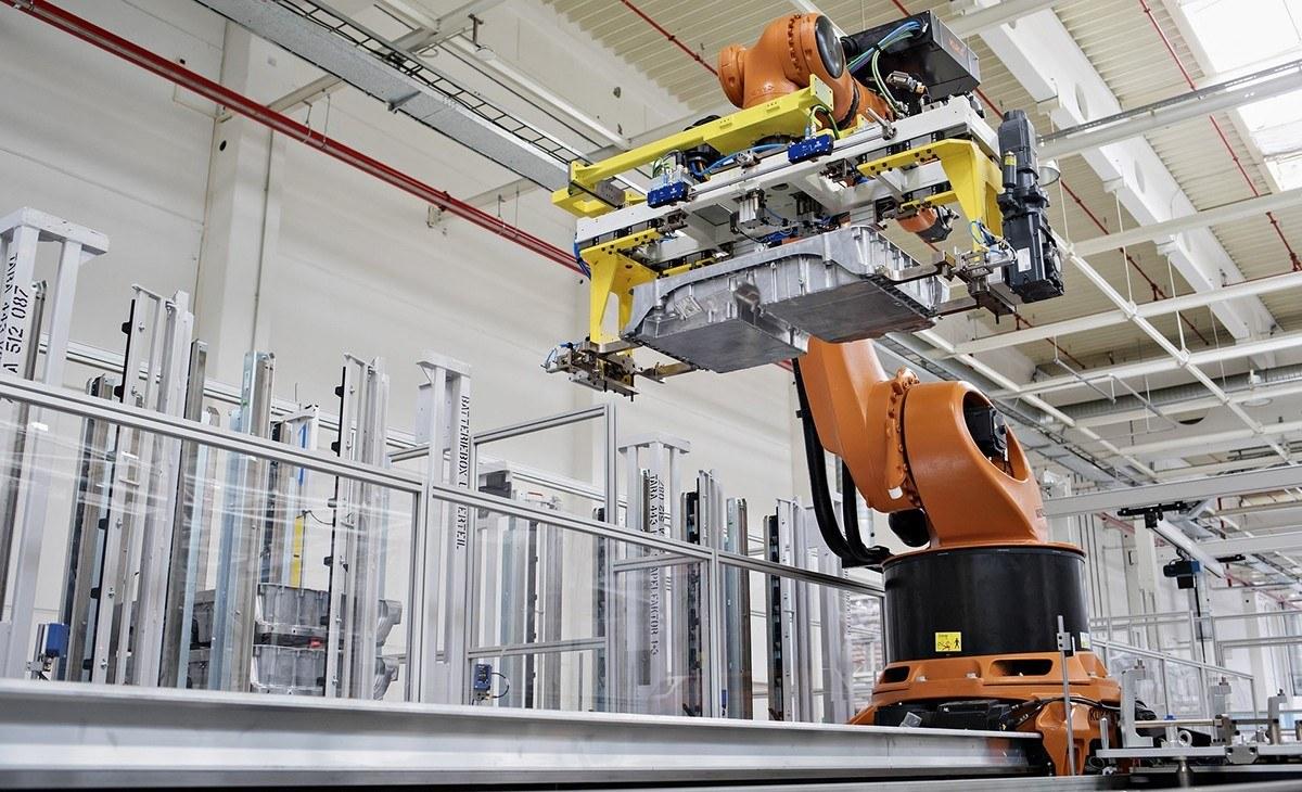 Skoda ya fabrica las baterías para los coches híbridos del Grupo Volkswagen