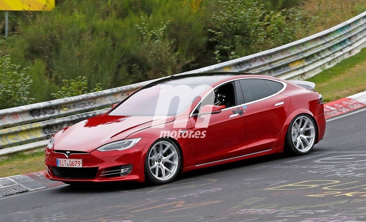 El Tesla Model S pone en su punto de mira al Porsche Taycan en Nürburgring