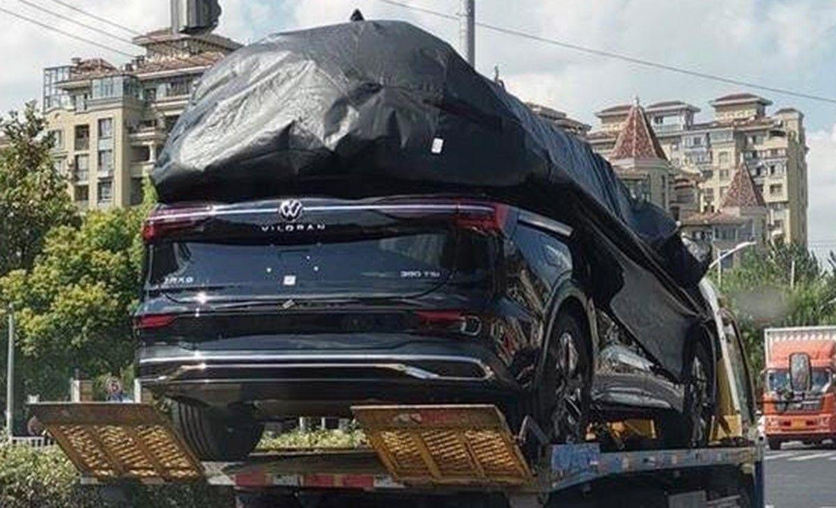El nuevo Volkswagen Viloran parcialmente al descubierto en estas fotos espía