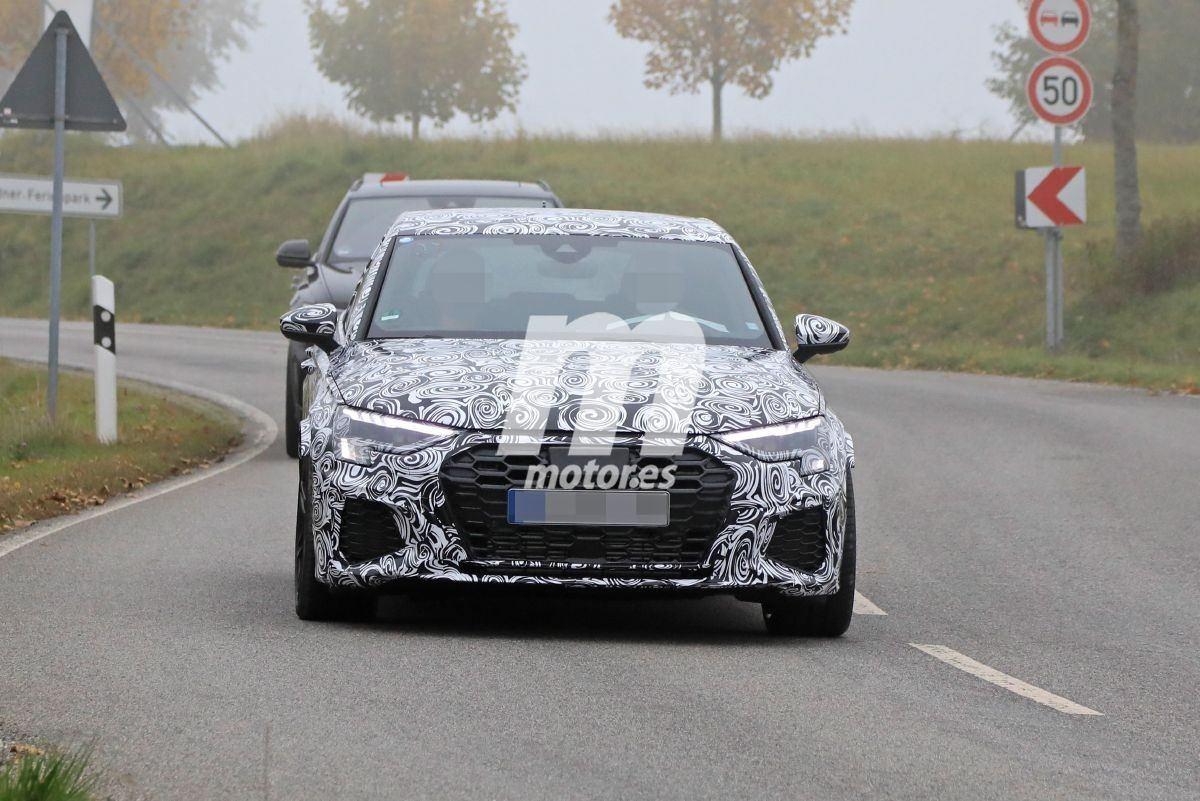 El nuevo Audi RS 3 Sportback 2021, cazado en sus primeras fotos espía de producción