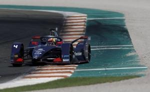 Frijns manda en Valencia, Vandoorne 'gana' el simulacro de carrera