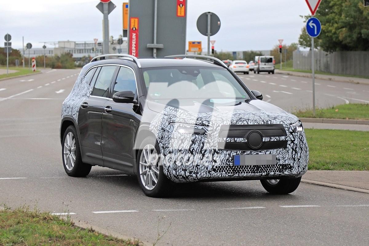 El futuro Mercedes EQB se deja ver de nuevo en su fase de pruebas