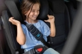 Cómo elegir la silla adecuada cuando tu hijo viaja con cinturón de seguridad