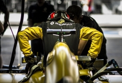 Renault explica por qué es el momento de Ocon y el plan con los pilotos de su programa