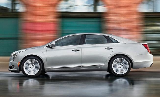 Cadillac XTS - lateral