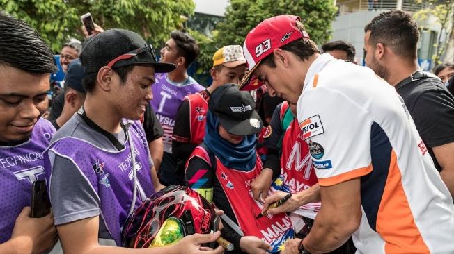 Andrea Dovizioso cree que la diferencia con Márquez es ridículamente grande.