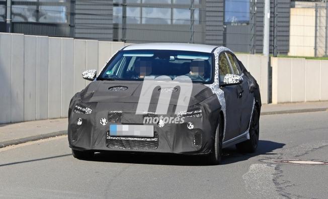 Hyundai i30 Fastback N 2021 - foto espía frontal