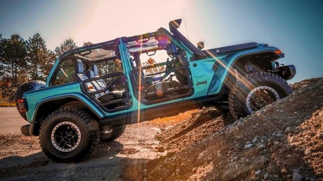 Jeep Wrangler Rubicon con accesorios Mopar