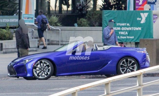 Lexus LC Cabrio - foto espía lateral