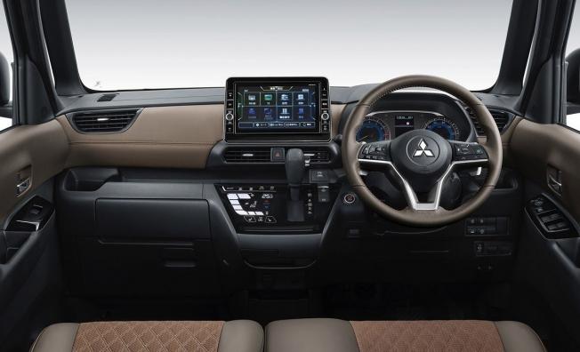 Mitsubishi Super Height K-Wagon Concept - interior
