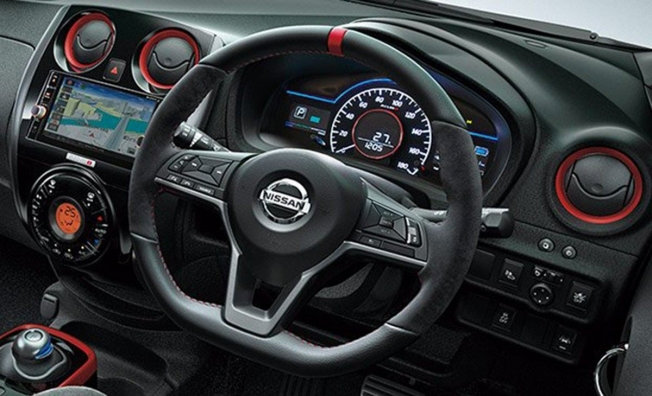Nissan Note Nismo Black Limited Edition - interior