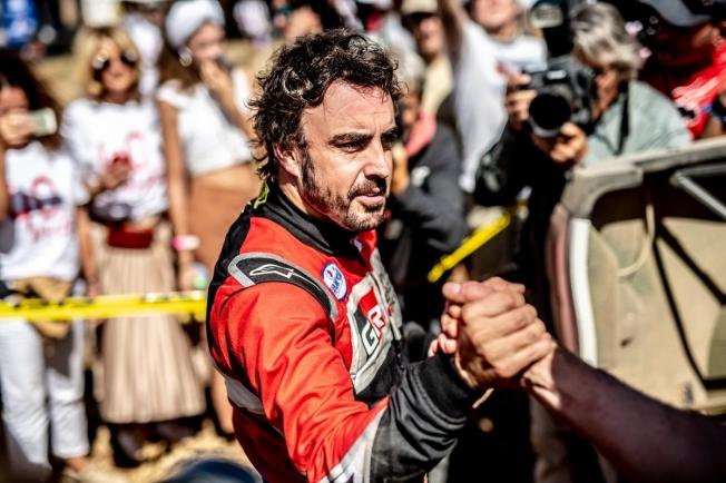 Fernando Alonso y Toyota correrán juntos el Dakar 2020