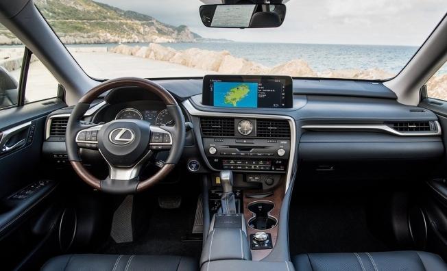 Lexus RX 2020 - interior