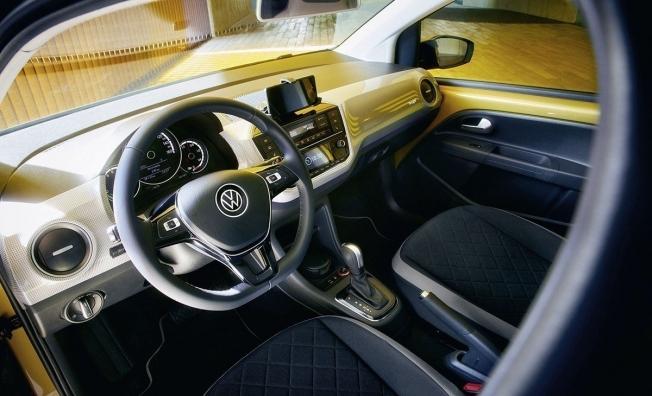 Volkswagen e-up! - interior