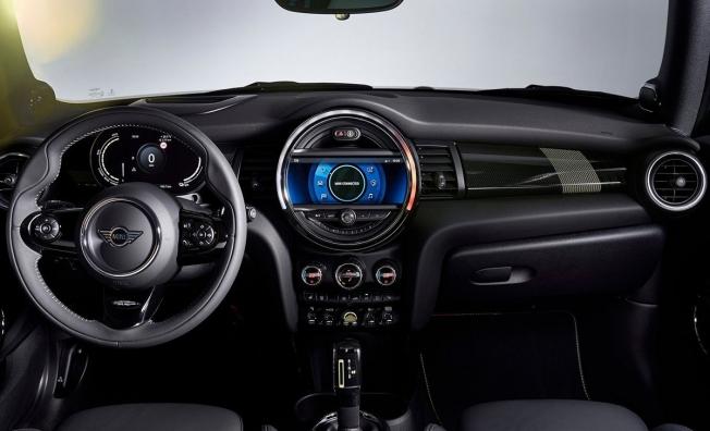 MINI Cooper SE - interior