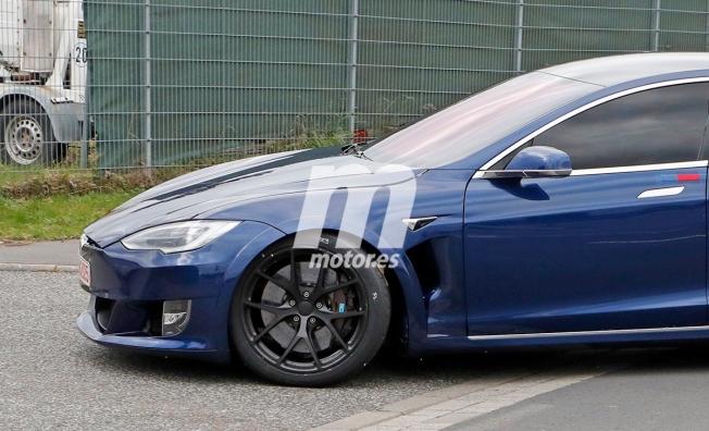 Tesla Model S P100D+ PLAID - foto espía