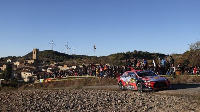 Thierry Neuville coge el relevo de Sébastien Loeb en el Rally RACC