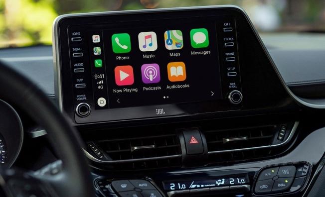 Toyota C-HR 2020 - interior