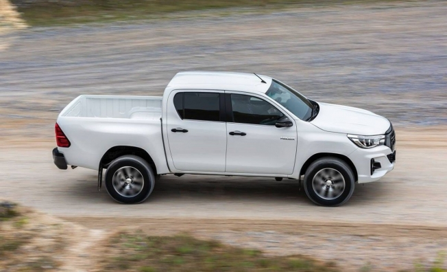Toyota Hilux - lateral