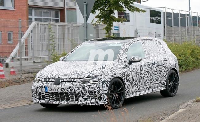 Volkswagen Golf GTI 2021 - foto espía