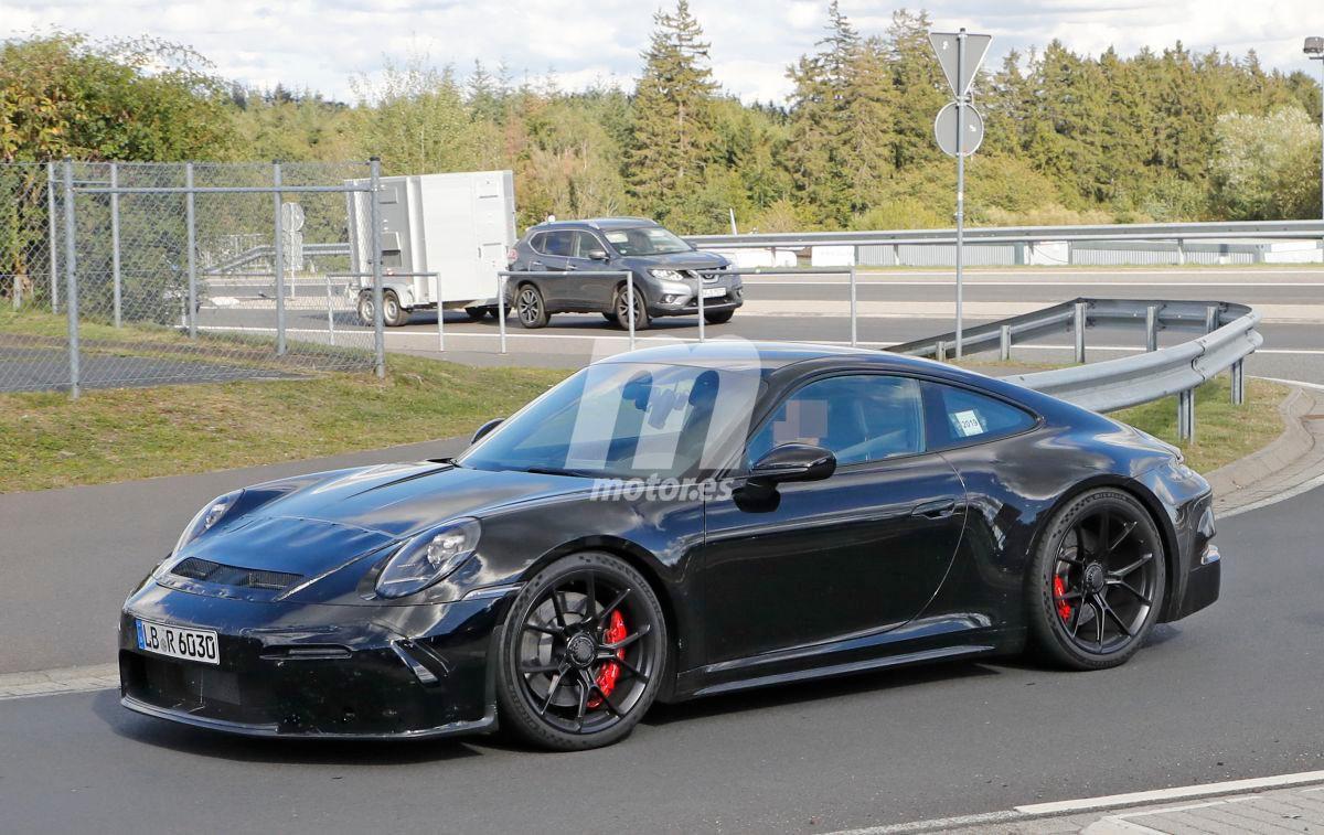 El nuevo Porsche 911 GT3 Touring Package se enfrenta a Nürburgring