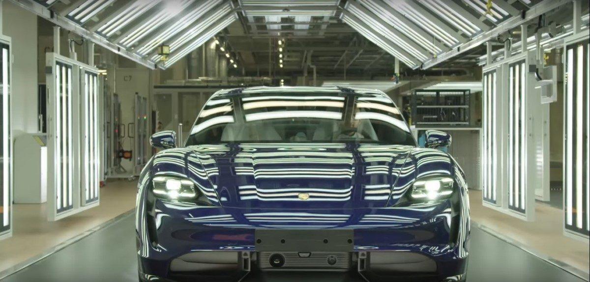 Porsche muestra un vídeo de la producción del nuevo Taycan en Zuffenhausen