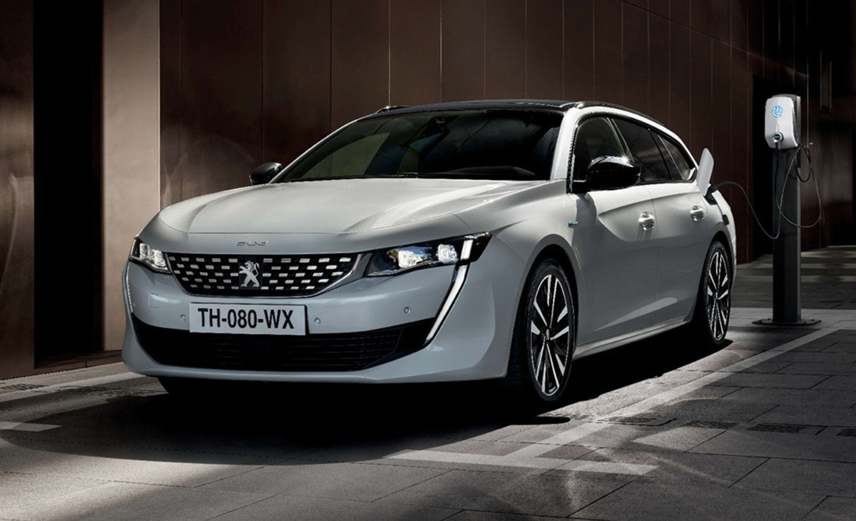 Los nuevos coches híbridos de Peugeot ya tienen precio en España