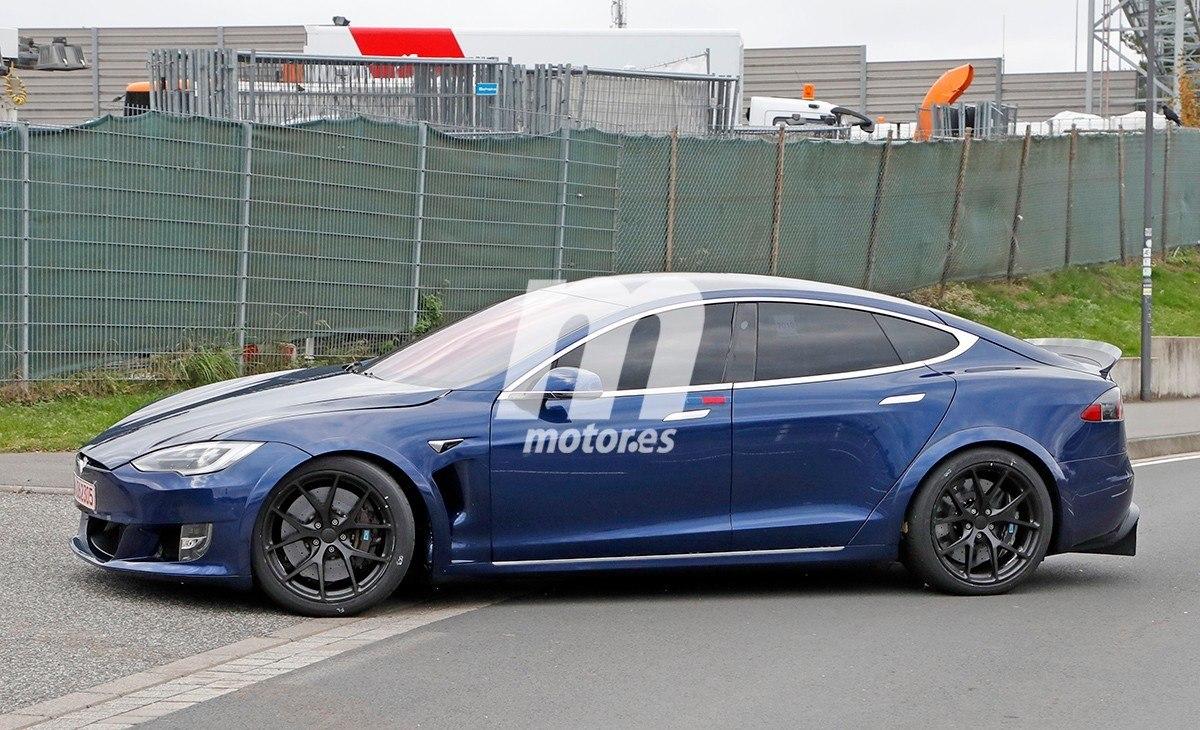 Tesla regresa a Nürburgring para arrebatarle el récord al Porsche Taycan