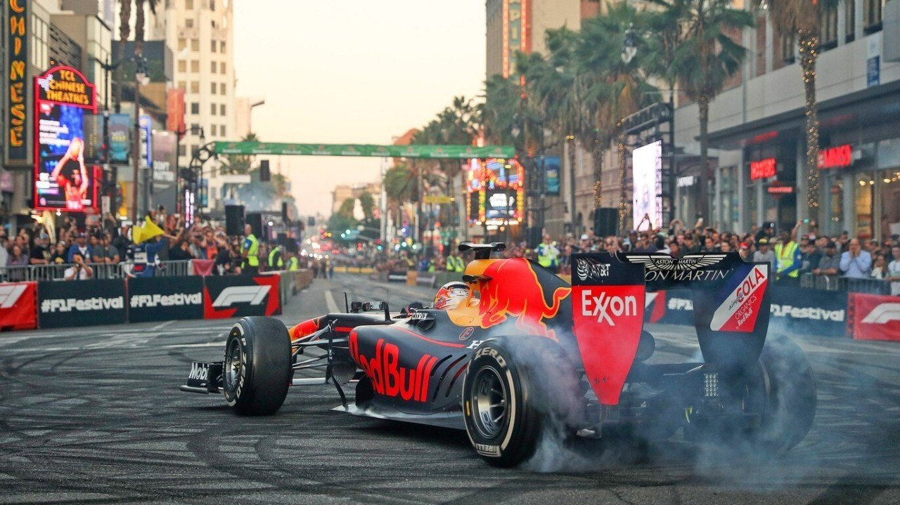 [Vídeo] La F1 asalta Hollywood Boulevard