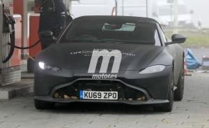 La nueva generación del Aston Martin Vantage Roadster 2020 vuelve a dejarse ver