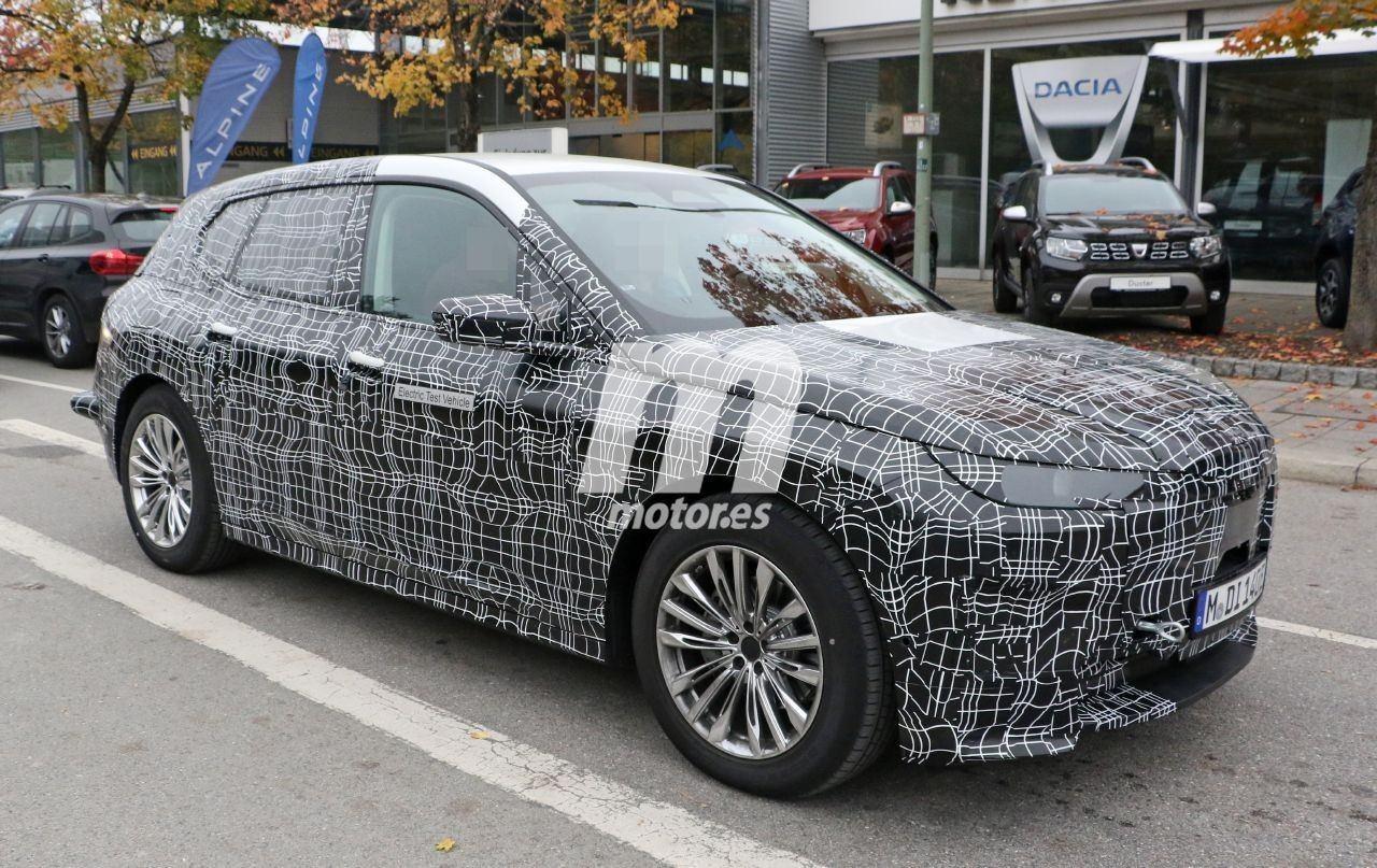 2020 BMW i6/iNEXT/iX8 27