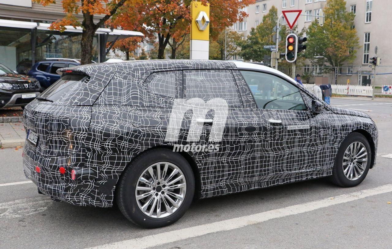2020 BMW i6/iNEXT/iX8 29