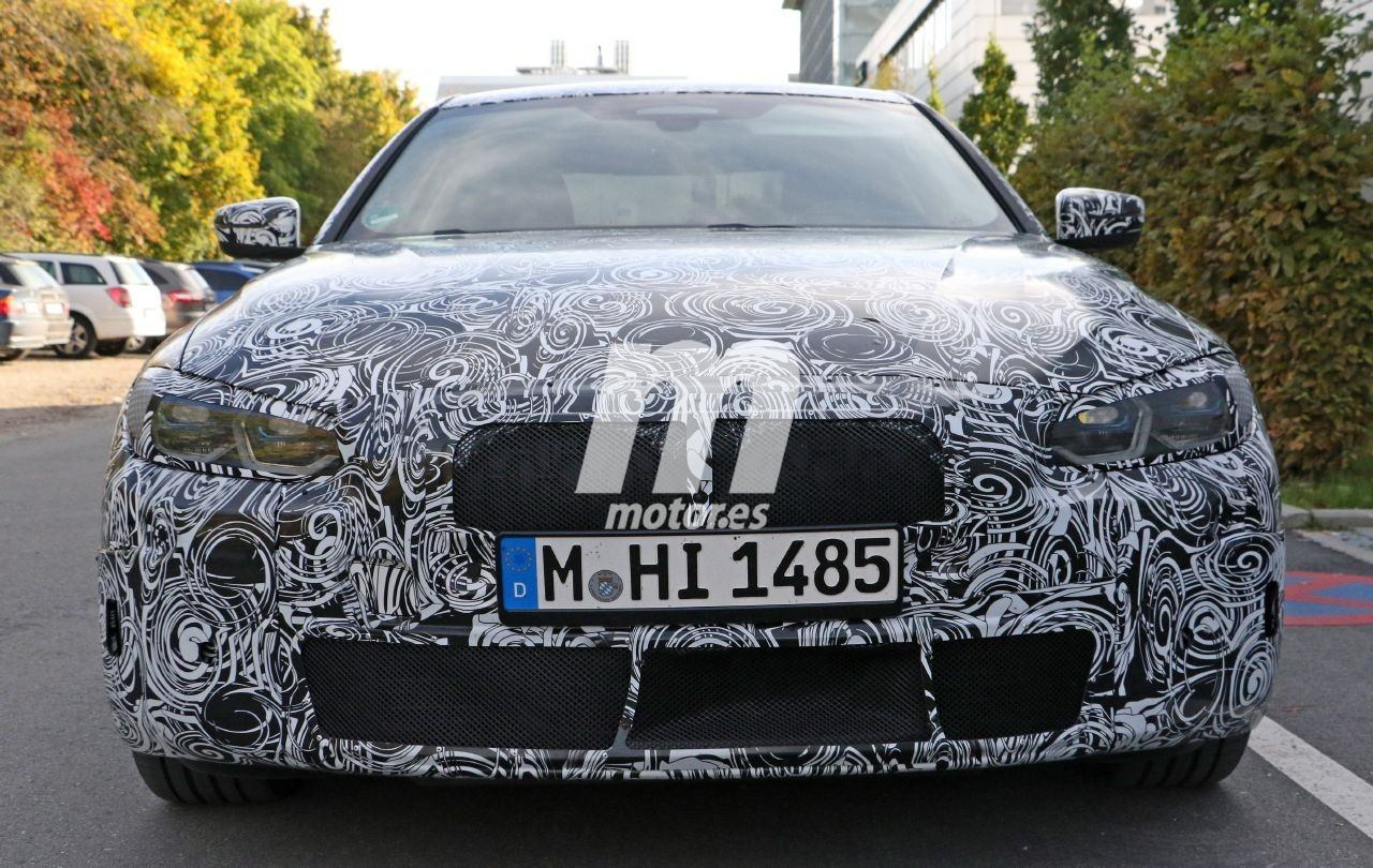 Nuevas fotos espía del futuro BMW Serie 4 Coupé desvelan también el interior