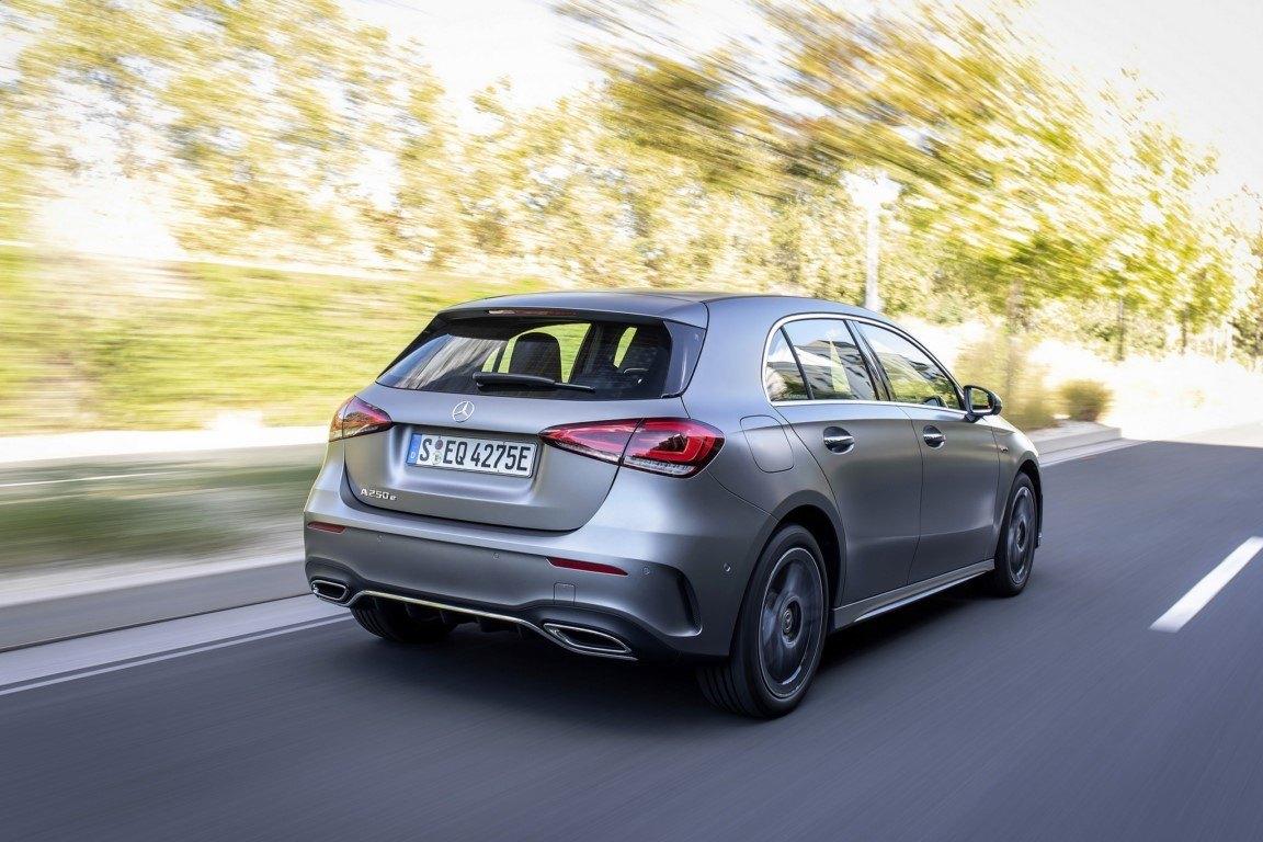 Los Mercedes Clase A y Clase A Sedán híbridos enchufables, a la venta en Francia y Alemania