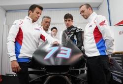 Álex Márquez debuta en Honda con caída y el aval de Alberto Puig