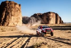 """Alonso inicia el Ula Rally: """"Es genial competir en Arabia Saudí ahora"""""""