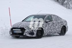 El nuevo Audi A3 Sedán 2020 se enfrenta al frío y la nieve