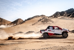 Fernando Alonso pierde fuelle en la segunda jornada del Ula Rally