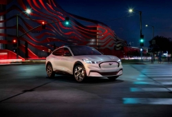 Ford Mustang Mach-E: el pony car eléctrico con hasta 600 km de autonomía