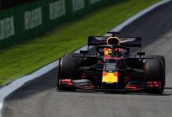 Verstappen gana una loca carrera en Brasil y Sainz, su primer podio en F1