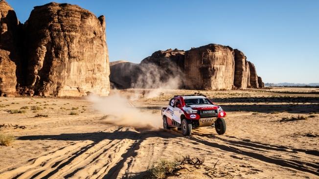 Alonso inicia el Ula Rally con ganas de acumular experiencia en el Toyota Hilux