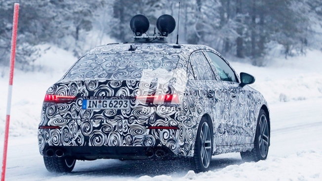 Audi S3 Sedán 2020 - foto espía posterior