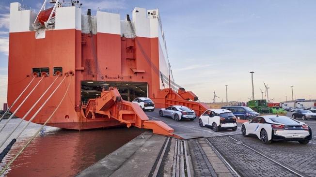 Transporte marítimo de coches BMW